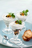 Light mousse with dried fruit