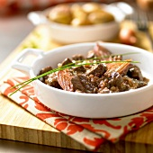 Sauteed beef with shallots