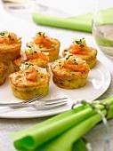 Leek-smoked salmon mini savoury cakes