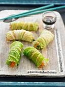 Steamed cabbage spring rolls
