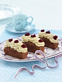 Chocolate, pistachio cream and diced beetroot mini plum cakes