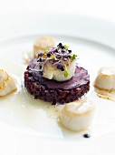 Beetroot tartare with scallops and sprouts