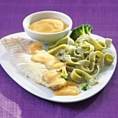 Sea bream with sauce and tagliatelles with pesto