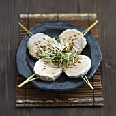 Boiled pork Yakitoris with sesame seed sauce