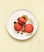 Chocolate-raspberry macaroons