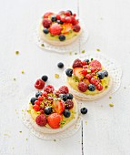 Summer fruit-tartlet-style macaroons