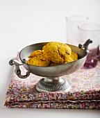Carrot-turmeric savoury cookies