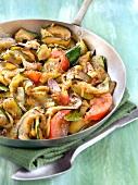 Gemüsepfanne mit mediterranem Gemüse