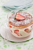Erdbeer-Tiramisu im Glas