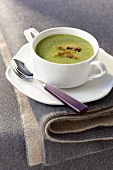 Cream of lettuce soup with mushrooms
