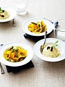 Spaghetti mit Parmesan und Trüffelscheiben und Farfallesalat mit Erbsen und grünem Spargel