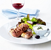 Grilled duck magret with garlic cream