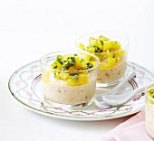 Zitrusfrucht-Mousse mit Cerealien und Orangensalat mit Minze