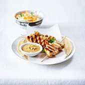 Chicken yakitoris with peanut sauce