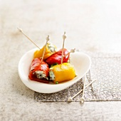 Bell pepper rolls with goat's cheese stuffing