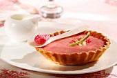Pink praline tartlet