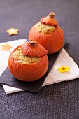Mini pumpkins stuffed with semolina and chicken