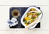 Fenchelsalat mit Zwiebeln und Zitrusfrüchten