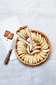 Speculos ginger biscuit and pear pie