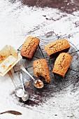 Mini gingerbread cakes