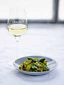 Fried green asparagus with Chablis