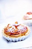 Individual apple roll pie
