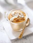 Kaffee-Zabaione mit Baiserhaube