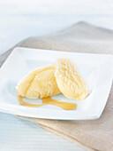 Fresh cheese and honey ice cream
