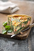 Salmon-spinach quiche