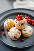 Mini redcurrant muffins