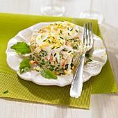Mischgemüse-Timbale mit Mayonnaise und Ei Mimosa