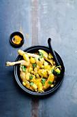 Hähnchen-Tajine mit Zitrone und Oliven