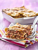 Spicy beef, pepper and red onion lasagnes