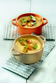 Mussel broth with curry and herbs mini casseroles