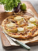 Pizza with goat cheese, figs, honey and nuts