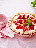 Charlotte-style strawberry cake