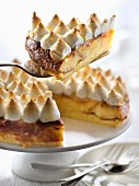 Puddingkuchen mit Lemon Curd und Baiserhaube