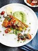 Frittiertes Dorschfilet, Sauce Vierge mal anders, mit Kirschtomaten und Brokkolipüree