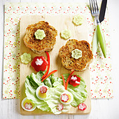 Flower-shaped Croque-monsieurs, toasted cheese and ham sandwiches