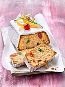 Quatre-quarts (traditional sponge cake) with spices and candied fruit