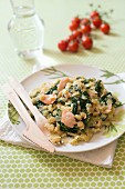 Star pasta with spinach and salmon