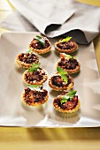 Mini-Quiches mit Moussaka
