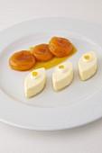 Calisson-Eis, pochierte Aprikosen