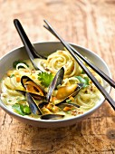 Mussel ,noodle coconut and curry soup