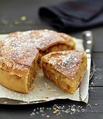 Süsse Pastete mit Äpfeln und Amaretti