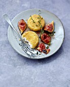 Breaded Crottins de chèvre with stewed figs with honey and thyme