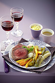 Boeuf à la ficelle et légumes (In Brühe gegartes Rinderfilet mit Gemüse, Frankreich), Sauce Bearnaise