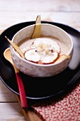 Parsnip soup with pears and cinnamon