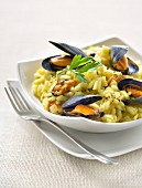 Risotto with mussels and parsley