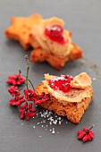 Grilled gingerbread, foie gras and redcurrant jelly appetizers